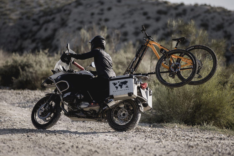 David Cachon El Triangulo del Desierto de los Monegros - Moto - Bici