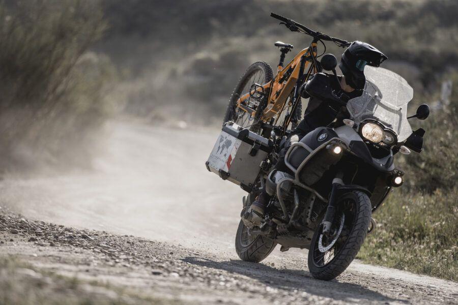 El Triangulo del Desierto de los Monegros – Moto & Bici